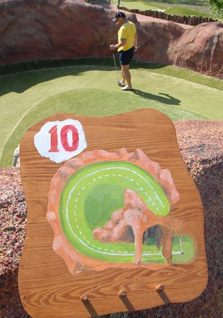 Adventure golf play instruction