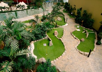 Adventure golf lanes