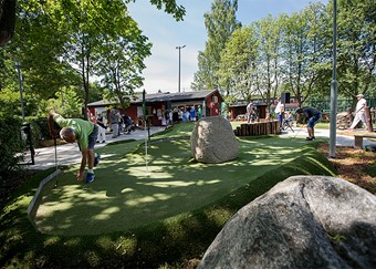 Adventure golf adapted for competitions at Sundbybergs golf club