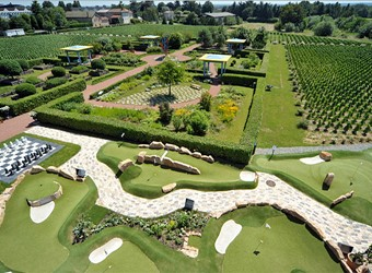 Overview of the adventure golf