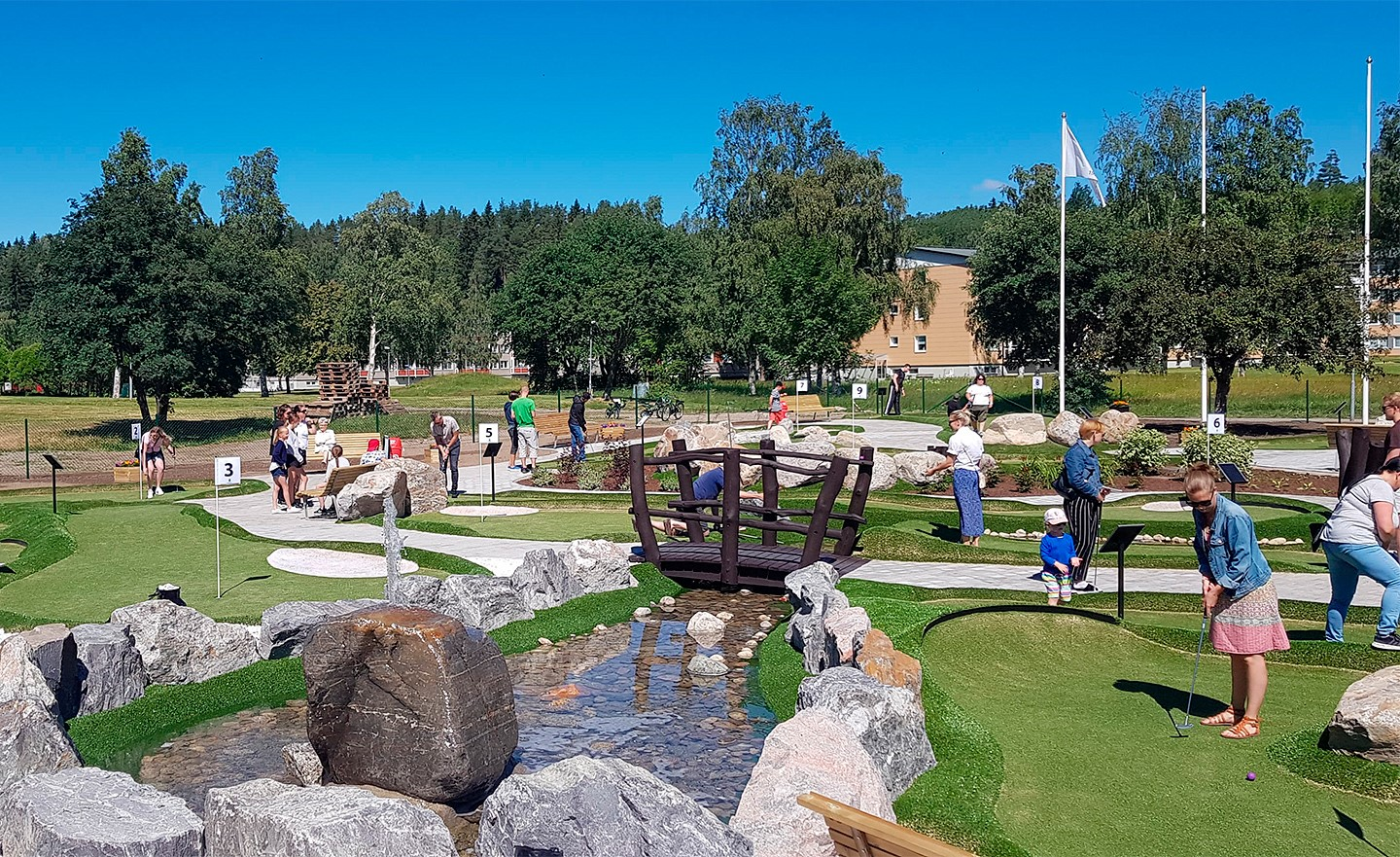 Happy Adventure Golf players at Sundsvall BGK