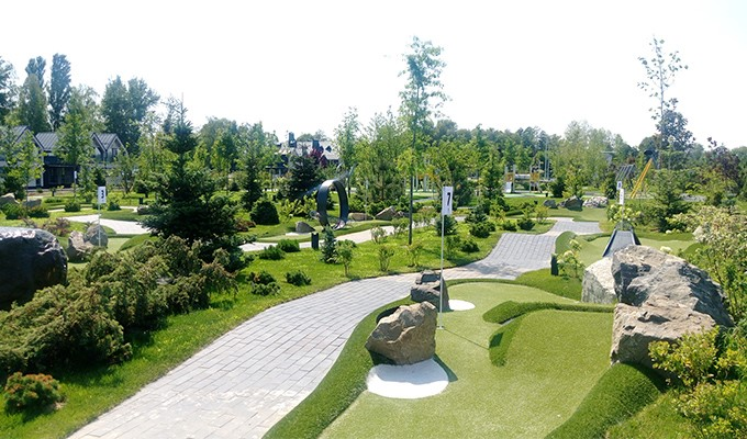 Adventure golf in Ukraine